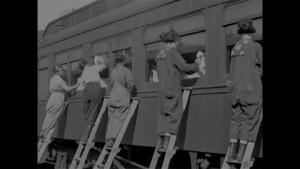 598188878-suffragette-feminisme-droits-des-femmes-emancipation
